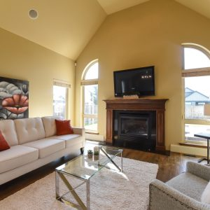vacant-home-staging-comox-valley-real-estate-living room-comox